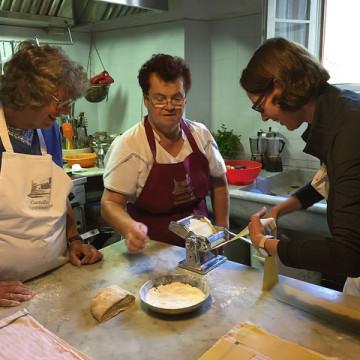 Cooking class with Sra. Loradona